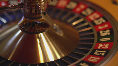 Spinning Roulette wheel - 14 red wins Live Action