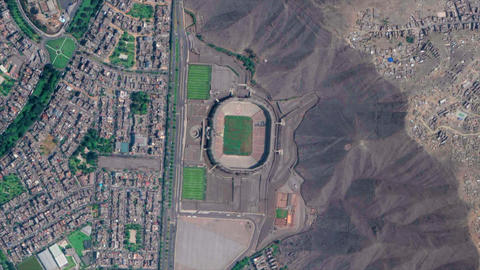 Earth Zoom from Estadio Monumental U - Lima - Peru ビデオ