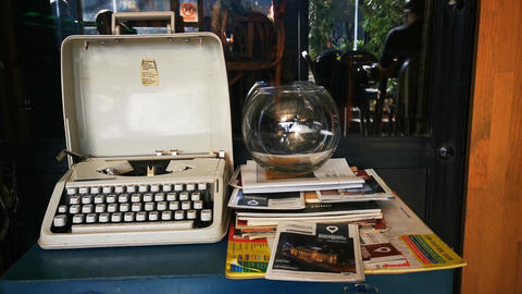 Old typewriting machine Live Action