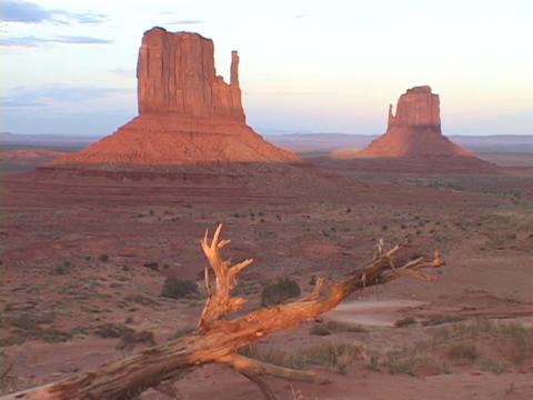 The Mitten Buttes stand tall in the desert Stock Video Footage