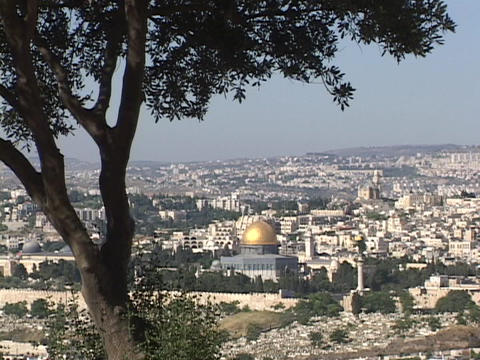 Jerusalem, with the prominent Dome of the Rock, stretches... Stock Video Footage
