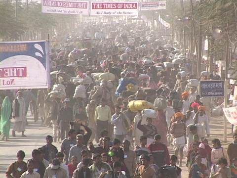 People fill the roadways in India leaving little room for... Stock Video Footage