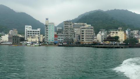 SUN MOON LAKE, TAIWAN - OCTOBER 26, 2019: Pier at Sun Moon Lake, the largest Live影片