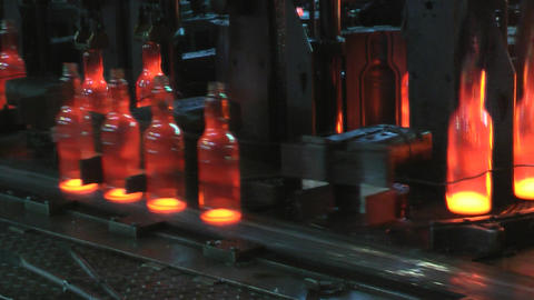 Plant for the production of bottles, glass plant Live Action