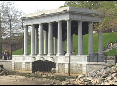 Medium shot of memorial in Plymouth Rock, Massachusetts Stock Video Footage
