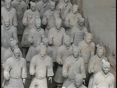 Terracotta statues stand in rows in Xian, China Stock Video Footage