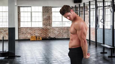 Bodybuilder flexing his triceps 4k Animation