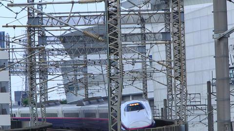 Shinkansen bullet train traveling on the curve ビデオ