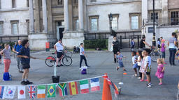 Street performer with buddles Trafalgar Square London UK time lapse ビデオ