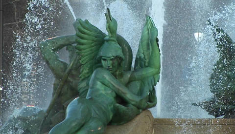 An angel fountain in downtown Philly Stock Video Footage