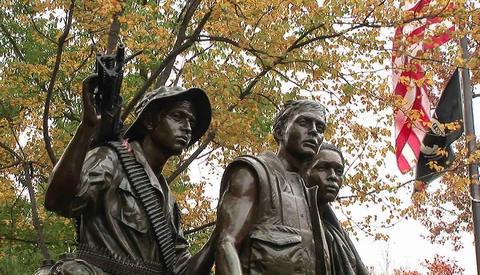 The Vietnam Veteran's Memorial in Washington D.C Stock Video Footage