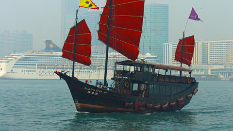 Aqua Luna. a tour boat fashioned after an old chinese junk. from Harbor Discover Footage
