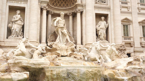 Trevi fountain rome frontal Live Action