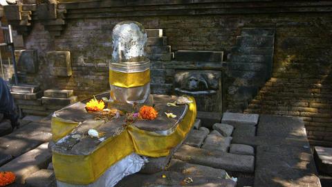 Altar to Shiva at Tirta Empul Hindu Temple in Bali. Indonesia Archivo