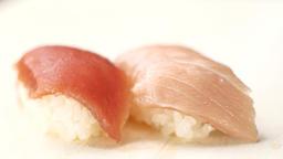 二種類のマグロの寿司 ライブ動画