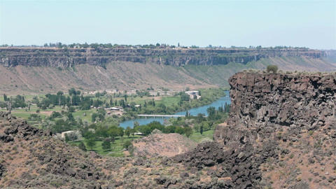 Twin Falls Idaho Snake River gorge golf course HD 8033 Live Action