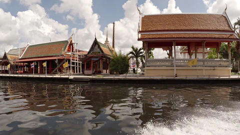 Cruising Past a Buddhist Temple Complex in Bangkok. Video FullHD Footage