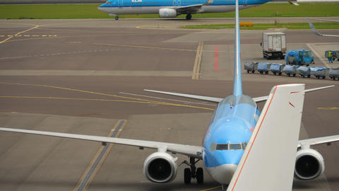 TUI Fly Boeing 737 taxiing after landing Live Action