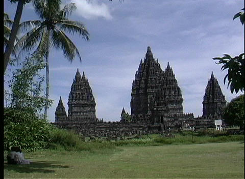 A medium shot of the ruins of an ancient Hindu Temple Stock Video Footage