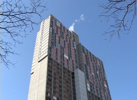 A look up at a highrise apartment building in winter Stock Video Footage