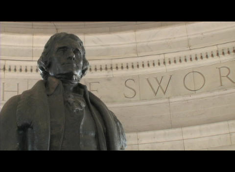 Medium-shot of the Thomas Jefferson statue in the... Stock Video Footage