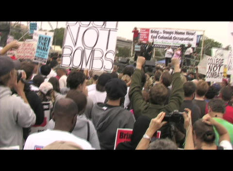 Hand-held-shot of an anti-Iraq-war rally in Washington DC Stock Video Footage
