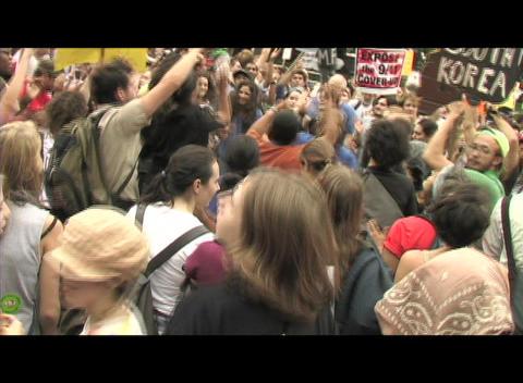 Hand-held-shot of anti-war protestors demonstrating in... Stock Video Footage