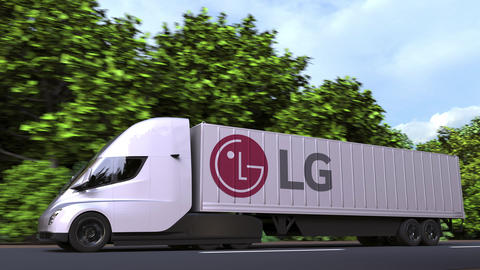 Electric semi-trailer truck with LG logo on the side. Editorial loopable 3D Acción en vivo