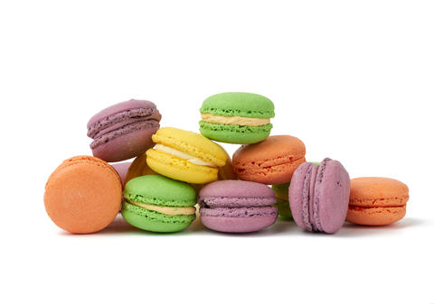 round baked multi-colored almond flour cakes macarons, dessert i Fotografía