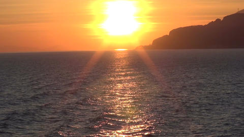 Sun and Sunbeams on the Sea (2) Live Action