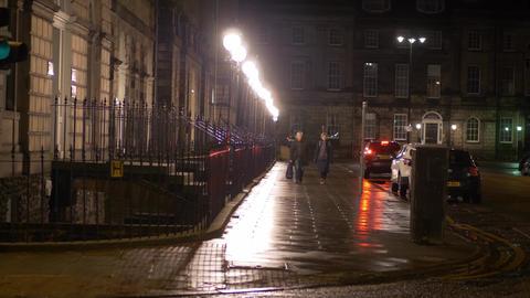 Beautiful street view at Charlotte Square in Edinburgh at night - EDINBURGH Live Action
