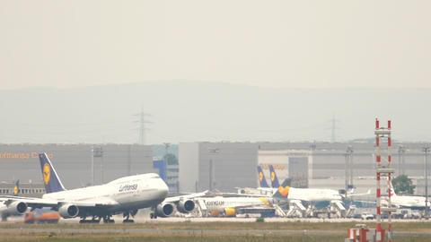 Lufthansa Boeing 747 departure Live Action