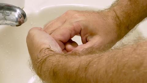 Man washing hands no soap illustrative Live影片