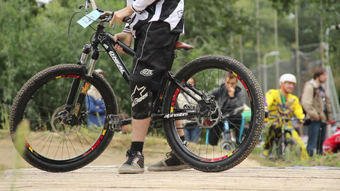 Hard finish for BMX bicycle challenge competitor comes first Footage