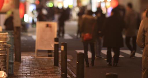Walking people at the neon town in Shinbashi Tokyo at night long shot handheld ライブ動画