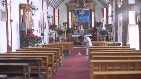 The oldest Franciscan church in Michoacan Live Action