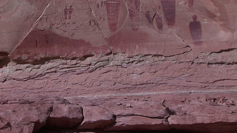 Pan-up of remarkable American Indian petroglyphs on a... Stock Video Footage