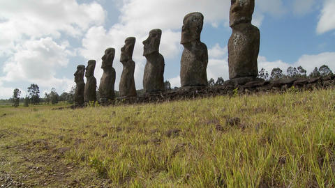 Tilt up to the mysterious and wondrous Easter Island statues Stock Video Footage