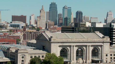 A daytime view of the Kansas City, Missouri skyline... Stock Video Footage