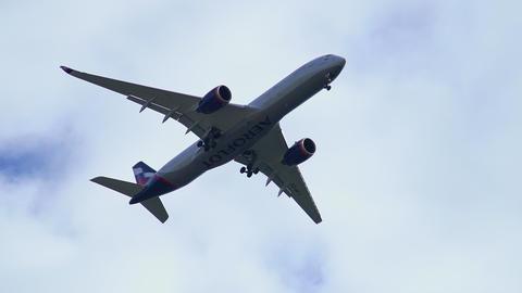 4K Jet Flying Overhead passenger plane jet aircraft 4K Live Action