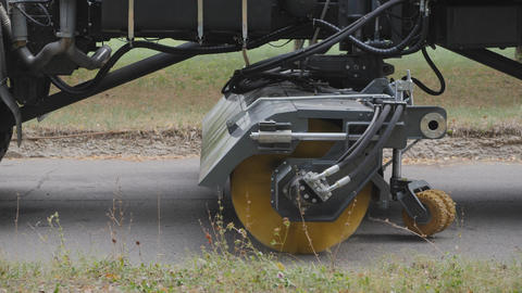 Equipment for cleaning streets and road surfaces Live Action