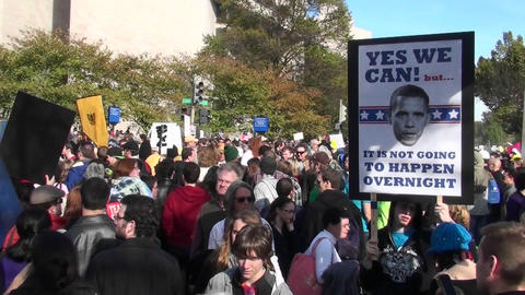 A Barack Obama poster at the Jon Stewart rally in... Stock Video Footage