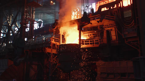Liquid metal in the factory, foundry, smelting iron and processing. Blast Live Action