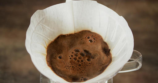 Ground coffee brew with hot water - V60 filter method Live Action