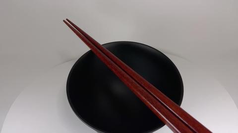 Wooden chopsticks034 ライブ動画