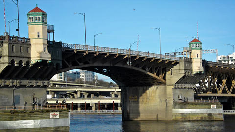 Burnside Bridge Zooming Out Footage
