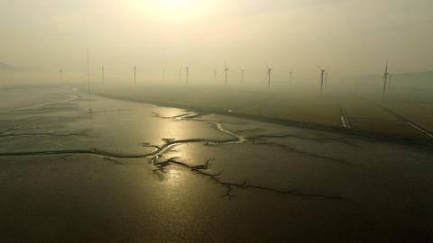 Wind Generator sunset coast ビデオ