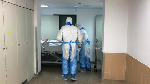 Transportation of the patient in the hospital during an epidemic Live Action