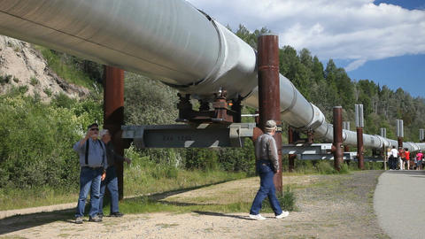 Alaska pipeline men P HD 7944 Live Action