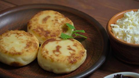 Fresh cheese pancake with cottage cheese and jam ライブ動画